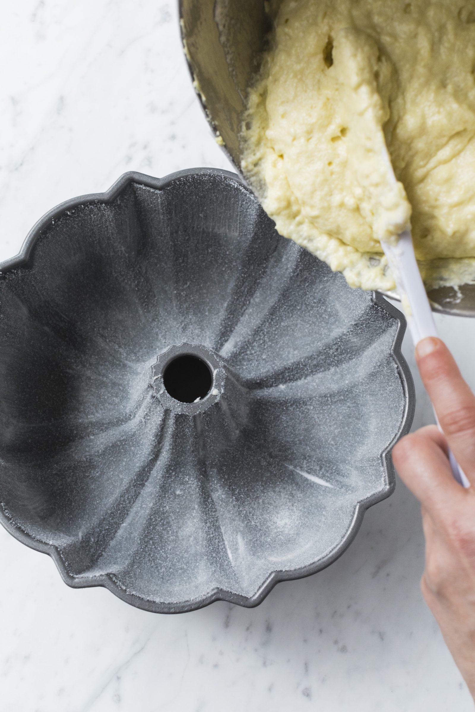 A Sweet Way to Coat Cake Pans