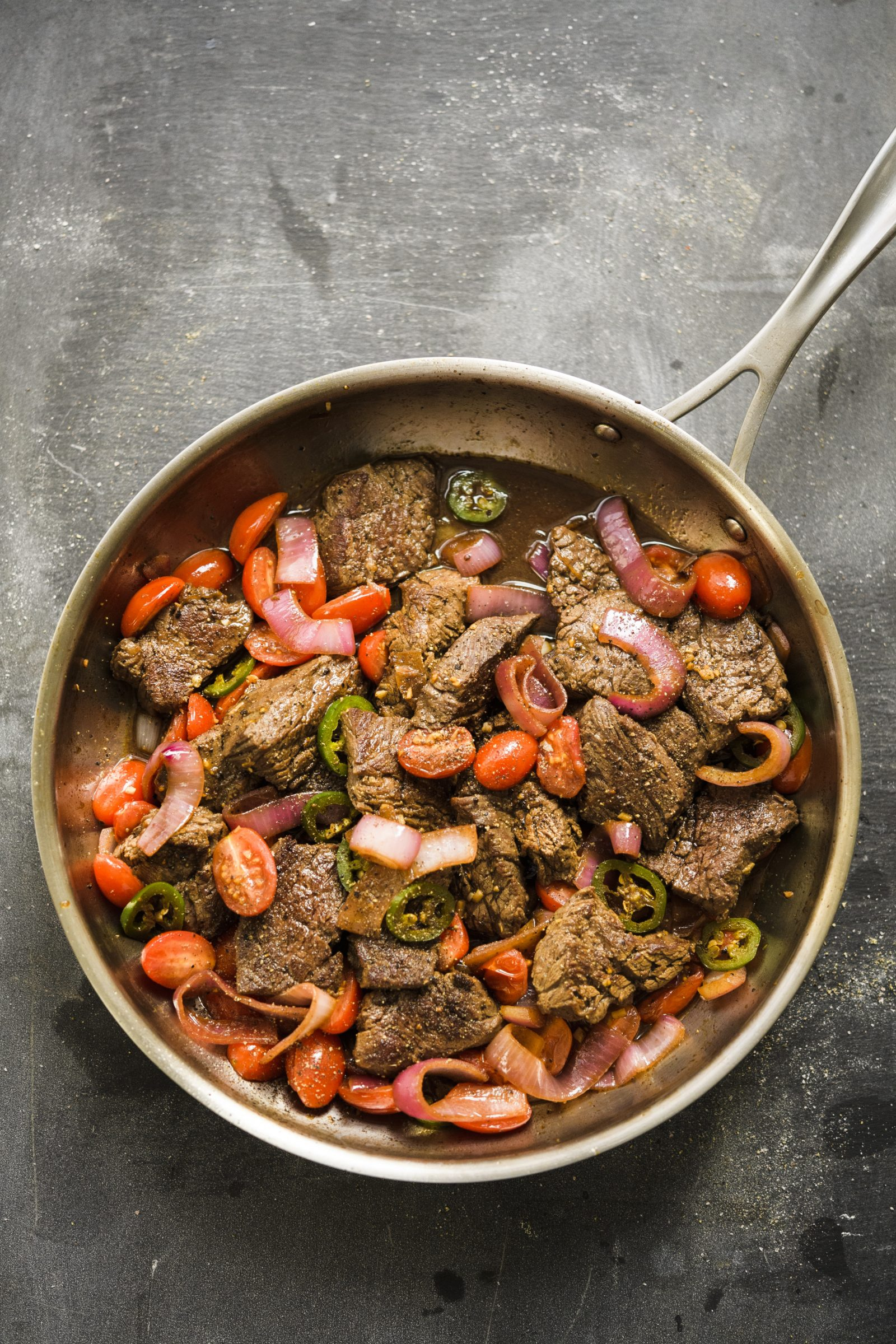 Peruvian Steak Stir-Fry with Onions and Tomatoes (Lomo Saltado)