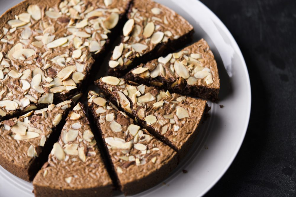 caprese-chocolate-almond-torte