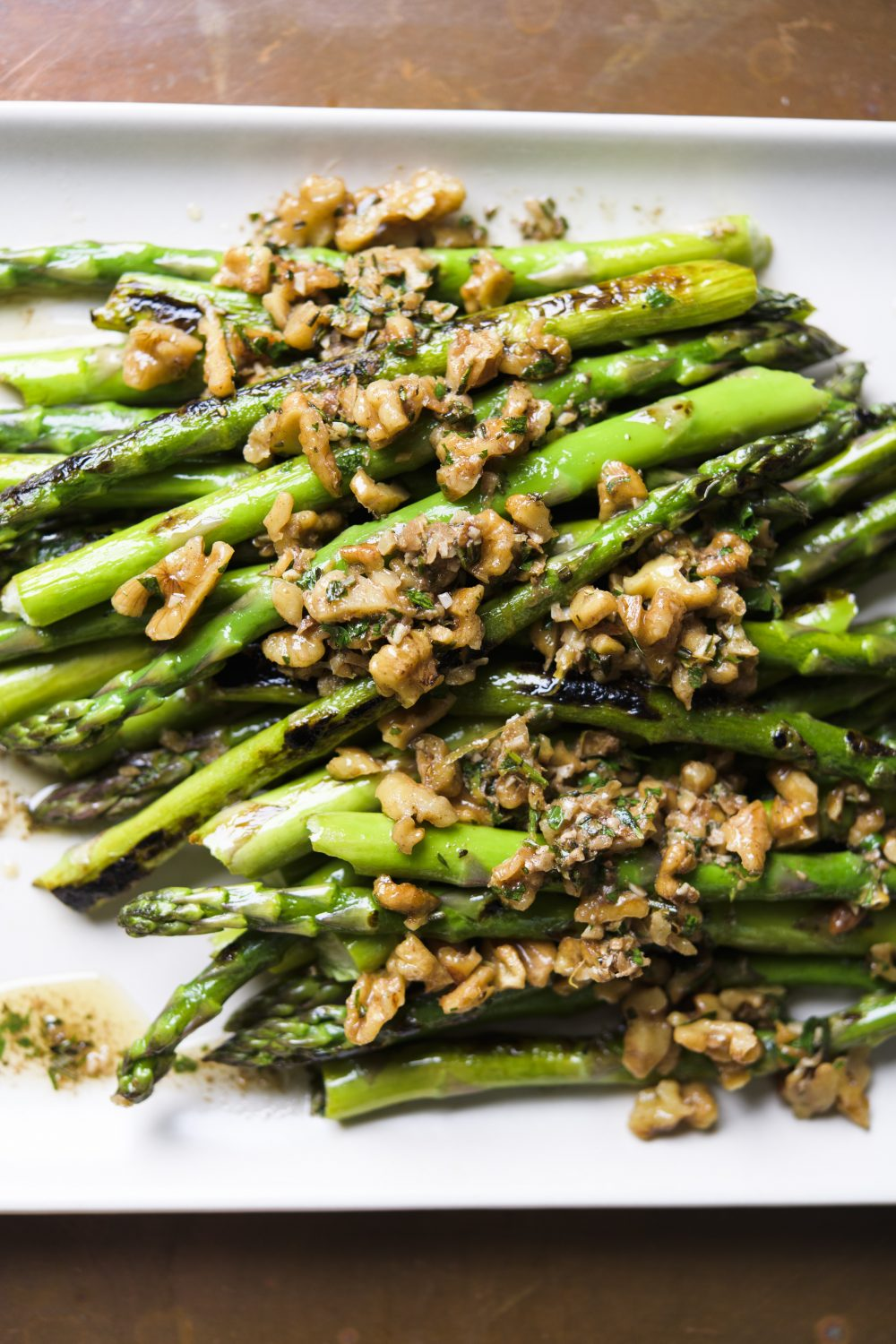 pan-roasted-asparagus-herbed-browned-butter-vinaigrette-walnuts