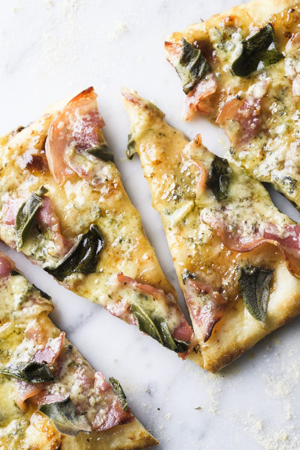 pancetta-fig-jam-blue-cheese-pizza