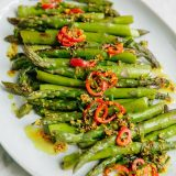 asparagus-roast-grilled-chives-herb-spice-oil-skillet